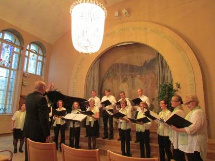 Kansallis-Kuoro kevätlauleloissa Hotelli Arthurin juhlasalissa 28.5.2015. Johtajana Teppo Lampela.